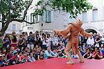 Cadre : Festival Uzes danse 2013<br /> Lieu : <br /> Ville : Uzes<br /> 15/06/2013<br /> &copy; Laurent Paillier / photosdedanse.com