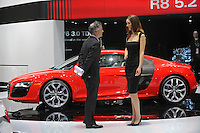Detroit Auto Show: Car Girls (USA)