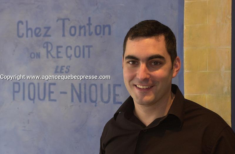 Club Des Pins Restaurant Montreal. Photo : (c) 2004, Pierre Roussel