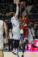 Real Madrid´s Andres Nocioni and Galatasaray´s Carter during 2014-15 Euroleague Basketball match between Real Madrid and Galatasaray at Palacio de los Deportes stadium in Madrid, Spain. January 08, 2015. (ALTERPHOTOS/Luis Fernandez) /NortePhoto /NortePhoto.com