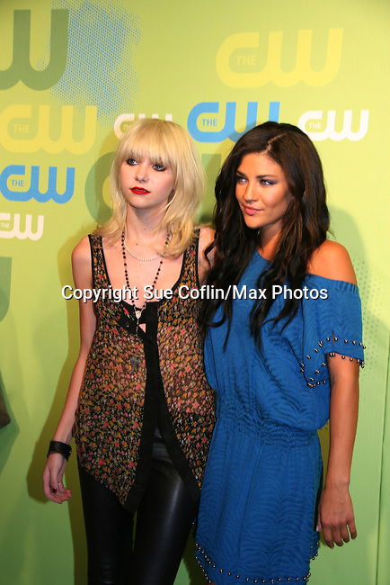 Gossip Girl's Taylor Momsen & Jessica Szohr at the CW Upfront 2009 on May 21, 2009 at Madison Square Gardens, New York NY. (Photo by Sue Coflin/Max Photos)
