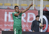 BOGOTÁ -COLOMBIA, 01-02-2015. Andy Pando jugador de La Equidad celebra un gol anotado a Independiente Santa Fe durante partido por la fecha 1 de la Liga Águila I 2015 jugado en el estadio Metropolitano de Techo de la ciudad de Bogotá./ Andy Pando (R) of La Equidad celebrates a goal  scored to Independiente Santa Fe during match for the first date of the Aguila League I 2015 played at Metropolitano de Techo stadium in Bogotá city. Photo: VizzorImage/ Gabriel Aponte / Staff