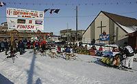 Mitch Seavey in the finish chute at Nome.