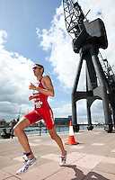02 AUG 2009 - LONDON, GBR - Stuart Hayes - London Triathlon (PHOTO (C) NIGEL FARROW)