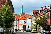 Norway, Sør-Trøndelag, Trondheim. Bakklandet and Nidarosdomen.