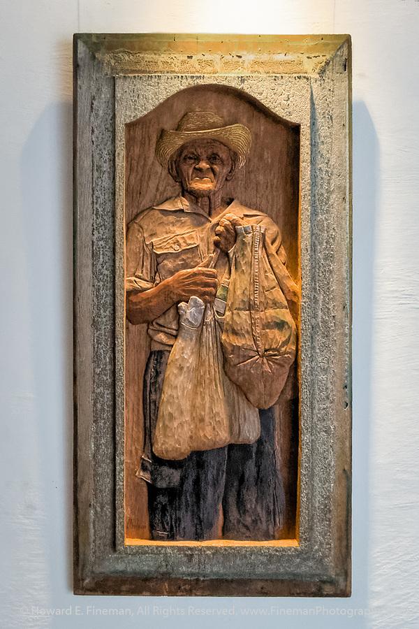 Lazaro Niebla's Carved wood portraits of Cuban farm worker