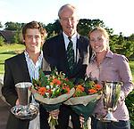 DEN DOLDER - NGF-voorzitter Ronald Pfeiffer met de kampioenen Darius van Driel (l) en Christel Boeljon, bij het NK Strokeplay golf op Golfsocieteit  De Lage Vuursche. COPYRIGHT KOEN SUYK