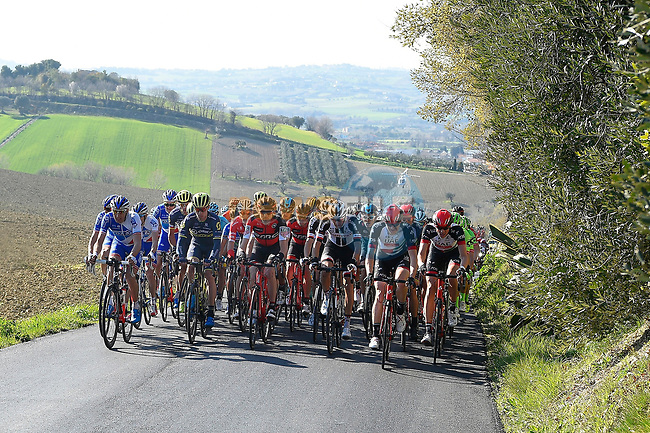 The peloton in action during Stage 5 of the 2017 Tirreno Adriatico running 210km from Rieti to Fermo, Italy. 12th March 2017.<br /> Picture: La Presse/Fabio Ferrari  | Cyclefile<br /> <br /> <br /> All photos usage must carry mandatory copyright credit (&copy; Cyclefile | La Presse)