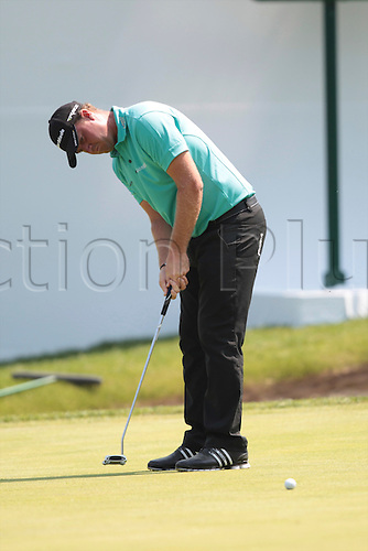 24.05.2012 Wentworth, England. Peter Hanson (SWE) in putting action during day 1 of the  BMW PGA Championship.