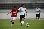 (L to R) Chika Kato  (Reds Ladies), Emi Nakajima (INAC),<br /> AUGUST 17,2014 - Football / Soccer : 2014 Nadeshiko League, between Urawa Reds Ladies 0-1 INAC KOBE LEONESSA at Urawakomaba Stadium, Saitama, Japan. (Photo by Jun Tsukida/AFLO SPORT)