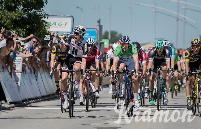 Phil Bauhaus (DEU/Sunweb) beats Arnaud D&eacute;mare (FRA/FDJ) &amp;  Bryan Coquard (FRA/Direct Energie) in a bunch sprint<br /> <br /> Stage 5: La Tour-de-Salvagny &rsaquo; M&acirc;con (175km)<br /> 69th Crit&eacute;rium du Dauphin&eacute; 2017
