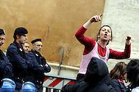 Roma, 10 Maggio 2010.Manifestazione in Campidoglio per l'emergenza abitativa .Rome, May 10, 2010.protest at the municipality for the emergency housing