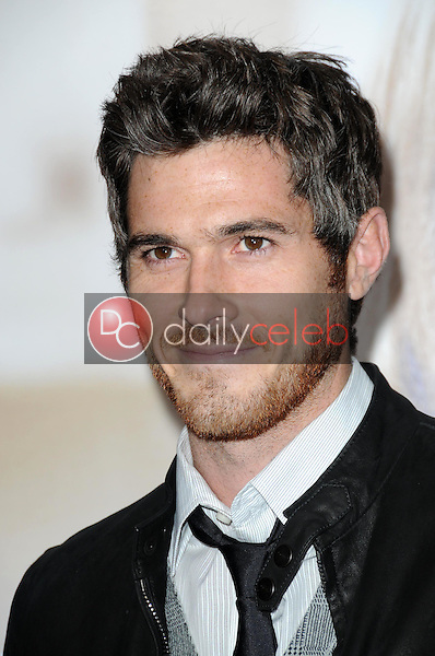 Dave Annable <br /> at the World Premiere of 'Revolutionary Road'. Mann Village Theater, Westwood, CA. 12-15-08<br /> Dave Edwards/DailyCeleb.com 818-249-4998