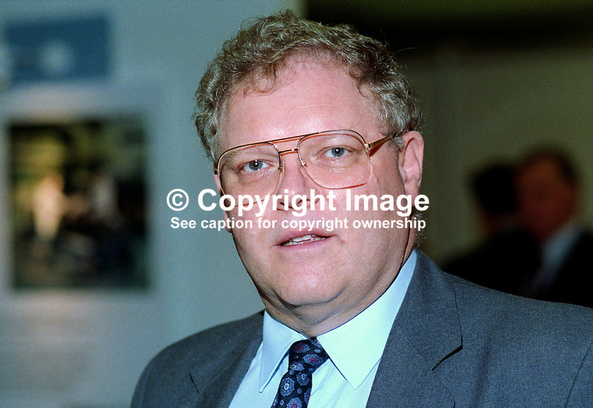 Graham Bright, MP, Conservative Party, UK, politician, 19921068GB..Copyright Image from Victor Patterson, 54 Dorchester Park, Belfast, UK, BT9 6RJ..Tel: +44 28 9066 1296.Mob: +44 7802 353836.Voicemail +44 20 8816 7153.Skype: victorpattersonbelfast.Email: victorpatterson@me.com.Email: victorpatterson@ireland.com (back-up)..IMPORTANT: If you wish to use this image or any other of my images please go to www.victorpatterson.com and click on the Terms & Conditions. Then contact me by email or phone with the reference number(s) of the image(s) concerned.