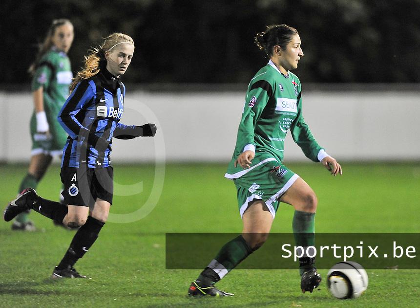 Club Brugge Vrouwen - OHL Dames : Sara Yuceil aan de bal voor Silke Demeyere <br /> foto David Catry / nikonpro.be