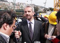 NAPOLI, 11/04/2013 LE AREE DELL'EX ITALSIDER E DELL'EX ETERNIT DI BAGNOLI SONO STATE SEQUESTRATE DAI CARABINIERI NELL'AMBITO DI UN'INDAGINE DELLA PROCURA CHE IPOTIZZA IL REATO DI DISASTRO AMBIENTALE. ..NELLA FOTO  MARIO HUBLER. FOTO DE LUCA .
