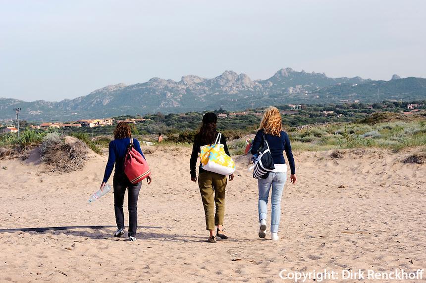 Strand von  Porto Pollo in der Gallura, Provinz Olbia-Tempio, Nord Sardinien, Italien