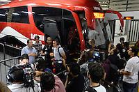SÃO PAULO, SP, 28 DE FEVEREIRO DE 2013 - TAÇA LIBERTADORES DA AMÉRICA - SÃO PAULO x THE STRONGEST: Jogador Lucio do São Paulo chega para a partida São Paulo x The Strongest, válida pela 2ª rodada do grupo 3 da Taça Libertadores da América de 2013, disputada no estádio do Morumbi em São Paulo. FOTO: LEVI BIANCO - BRAZIL PHOTO PRESS