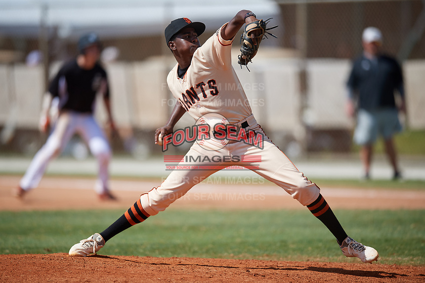 Michael Braswell during the WWBA World Championship at the Roger Dean Complex on October 21, 2018 in Jupiter, Florida.  Michael Braswell is a shortstop / right handed pitcher from Mableton, Georgia who attends Campbell High School and is committed to South Carolina.  (Mike Janes/Four Seam Images)