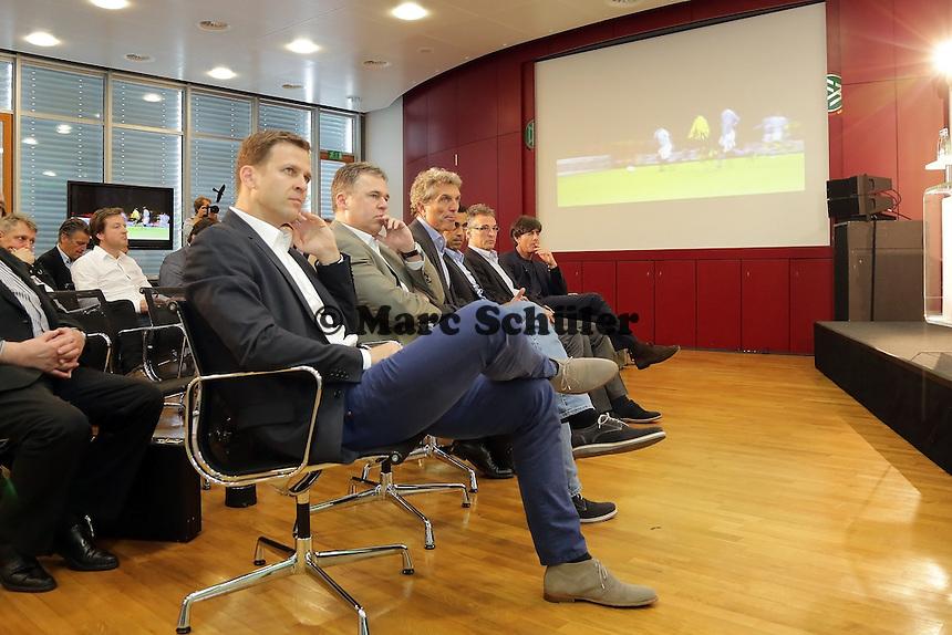 Teammanager Oliver Bierhoff, Andreas Rettig (DFL), Trainer U21 Rainer Adrion, Sportdirektor Robin Dutt, DFB Generalsekretaer Helmut Sandrock und Bundestrainer Joachim Loew