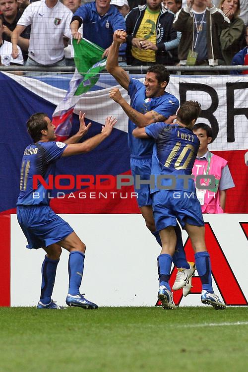FIFA WM 2006 -  Gruppe E Vorrunde ( Group E )<br /> Play   #41 (22-Jun) - Tschechien - Italien<br /> <br /> 0:1 fuer Italien durch die Nr. 23 Marco Materazzi, kurz zuvor fuer  Alessandro