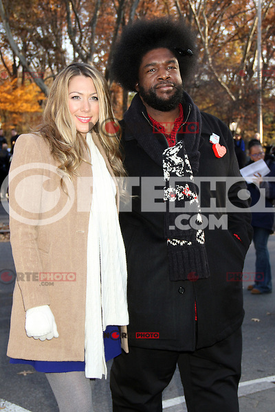 NEW YORK, NY - NOVEMBER 22: Colbie Caillat and Presslove at the 86th Annual Macy's Thanksgiving Day Parade on November 22, 2012 in New York City. Credit: RW/MediaPunch Inc. /NortePhoto