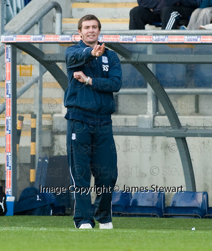 30/10/2010   Copyright  Pic : James Stewart.sct_jsp020_falkirk_v_dundee  .:: DUNDEE MANAGER BARRY SMITH :: .James Stewart Photography 19 Carronlea Drive, Falkirk. FK2 8DN      Vat Reg No. 607 6932 25.Telephone      : +44 (0)1324 570291 .Mobile              : +44 (0)7721 416997.E-mail  :  jim@jspa.co.uk.If you require further information then contact Jim Stewart on any of the numbers above.........