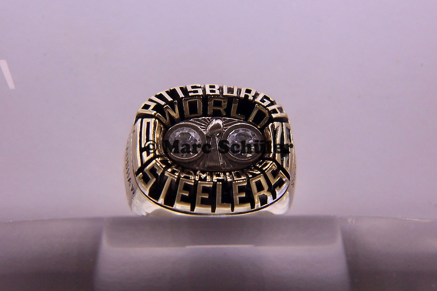Super Bowl Ringe der einzelnen Siegerteams: X Pittsburgh Steelers - 1975