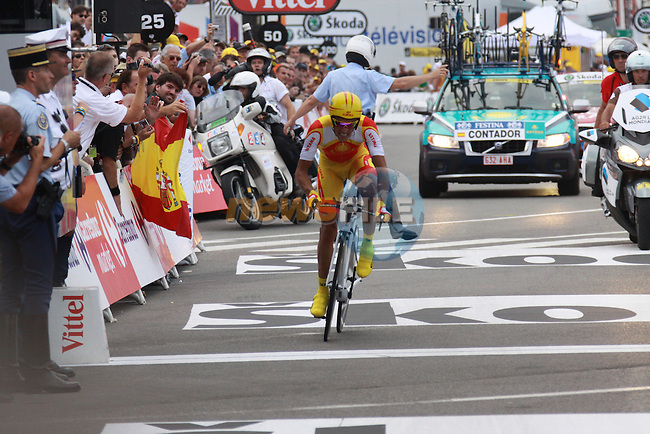 Alberto Contador crosses the line in the first stage prologue in the 2009 Tour de France, 4th July 2009 (Photo by Manus OReilly/NEWSFILE)