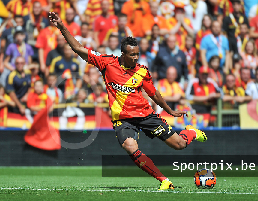 RC Lens - AJ Auxerre : Jean-Philippe Gbamin<br /> foto David Catry / nikonpro.be