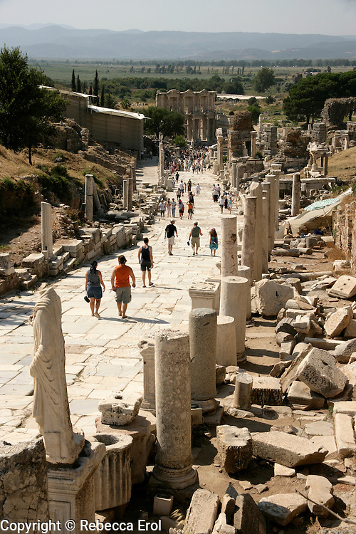 THE MAIN STREET AT EPHESUS LEADING TO THE LIBRARY OF CELSUS, TURKEY