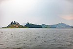 Lake Mutanda Islands & Volcano Scenic