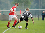 2015-10-18 / Voetbal / Seizoen 2015-2016 / Vlimmeren - White Star / Simon Brys (l. White Star) met Maxime De Belser<br /><br />Foto: Mpics.be