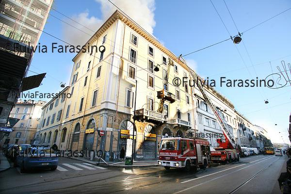 Milano 9 dicembre 2009 incendio in via vigevano 20