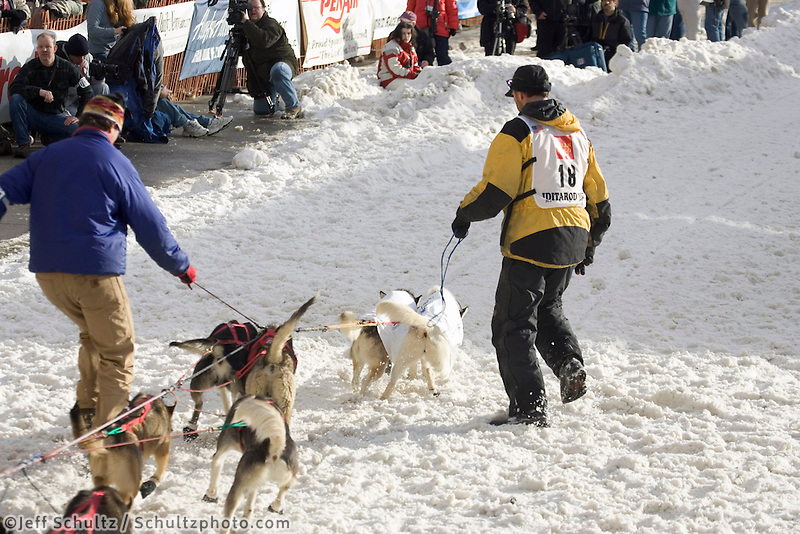 Zack Steer's Sled Dog Team Leaves Start@ 2005 Iditarod Ceremonial Start Anchorage