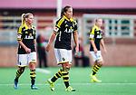 Solna 2015-10-11 Fotboll Damallsvenskan AIK - FC Roseng&aring;rd :  <br /> AIK:s Filippa Angeldahl deppar med lagkamrater under matchen mellan AIK och FC Roseng&aring;rd <br /> (Foto: Kenta J&ouml;nsson) Nyckelord:  Damallsvenskan Allsvenskan Dam Damer Damfotboll Skytteholm Skytteholms IP AIK Gnaget  FC Roseng&aring;rd depp besviken besvikelse sorg ledsen deppig nedst&auml;md uppgiven sad disappointment disappointed dejected