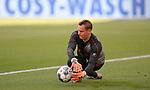 27.06.2020, Fussball: nph00001 1. Bundesliga 2019/2020, 34. Spieltag, VfL Wolfsburg - FC Bayern Muenchen, in der Volkswagen-Arena Wolfsburg. Torwart Manuel Neuer (Bayern MŸnchen)<br /><br />Foto: Bernd Feil/M.i.S./ /Pool/nordphoto<br /><br />Nur fŸr journalistische Zwecke! Only for editorial use! <br /><br />GemŠ§ den Vorgaben der DFL Deutsche Fussball: nph00001 Liga ist es untersagt, in dem Stadion und/oder vom Spiel angefertigte Fotoaufnahmen in Form von Sequenzbildern und/oder videoŠhnlichen Fotostrecken zu verwerten bzw. verwerten zu lassen. DFL regulations prohibit any use of photographs as image sequences and/or quasi-video.    <br /><br />National and international NewsAgencies OUT.