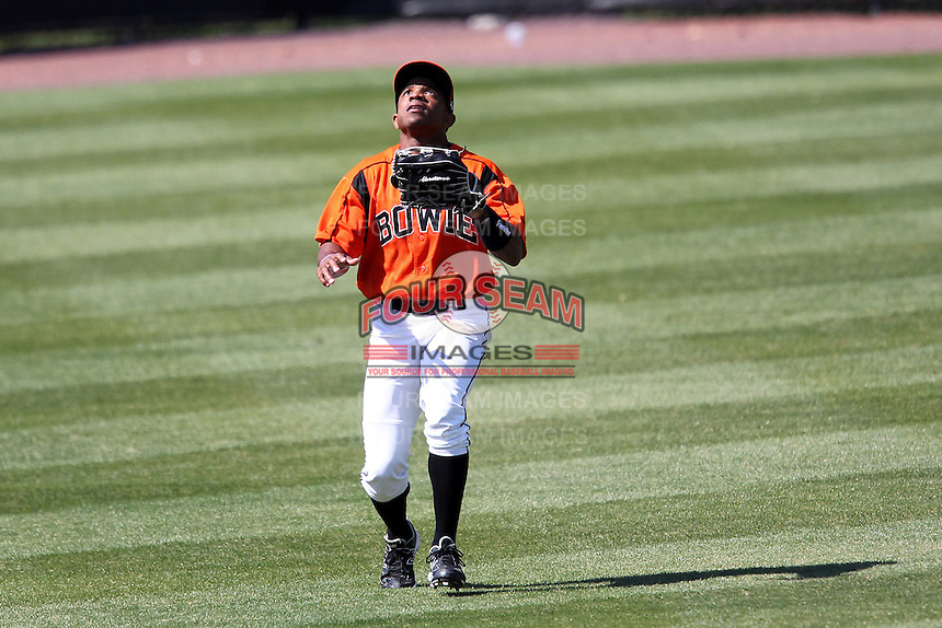 Bowie BaySox outfielder Antoan Richardson #4 catches a fly ballduring a game against the Harrisburg Senators at Prince George's Stadium on April 8, 2012 in Bowie, Maryland.  Harrisburg defeated Bowie 5-2.  (Mike Janes/Four Seam Images)