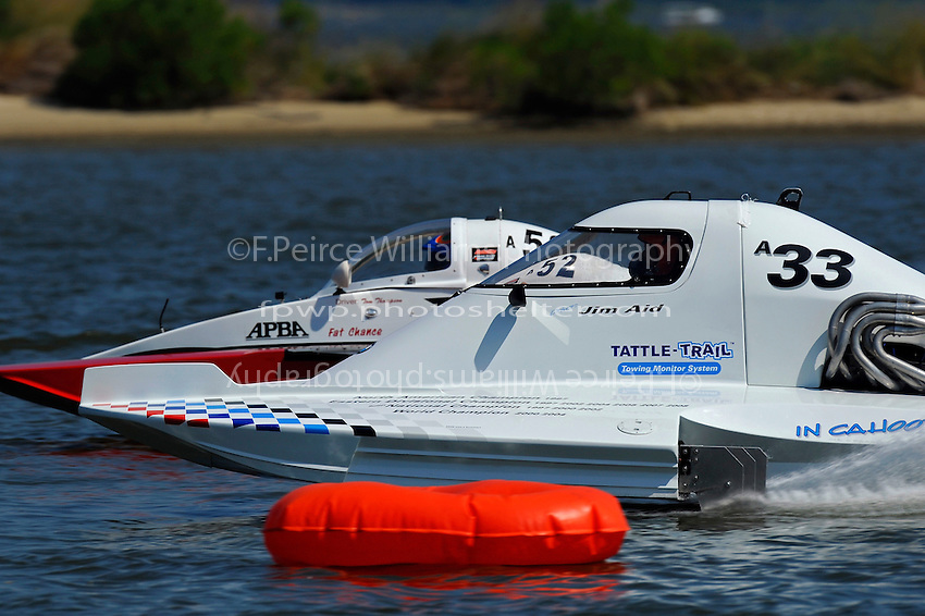 """Tom Thompson, A-52 """"Fat Chance Too"""" and Jim Aid, A-33 """"In Cahoots Again"""" (2.5 MOD class hydroplane(s)"""