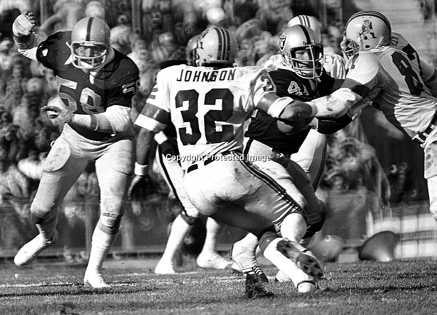 Raiders Monte Johnson and Phiol Villapiano New England Patroits, AndyJohnson. (1976 photo/Ron Riesterer)