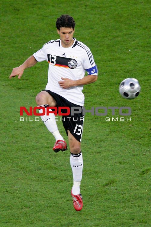 UEFA Euro 2008  Finale<br /> <br /> Vienna - Ernst Happel Match 32<br /> Deutschland ( GER ) - Spanien ( ESP )<br /> <br /> Michael Ballack (Germany / Mittelfeldspieler / Midfielder /  Chelsea London #13) <br /> <br /> Foto &copy; nph (  nordphoto  )<br /> <br /> <br /> <br />  *** Local Caption ***