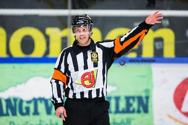 S&ouml;dert&auml;lje 2013-12-12 Ishockey Hockeyallsvenskan S&ouml;dert&auml;lje SK - Mora IK :  <br /> domare Pierre Schilken  <br /> (Foto: Kenta J&ouml;nsson) Nyckelord:  portr&auml;tt portrait