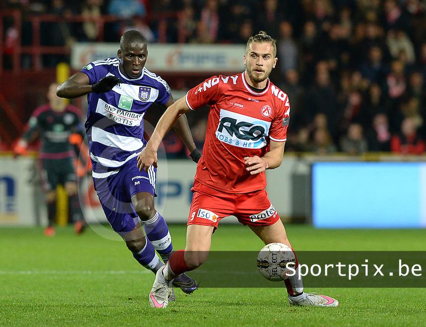 KV Kortrijk - RSC Anderlecht : Kara Mbodj (links) en Thanasis Papazoglou (r) <br /> Foto David Catry / Sportpix.be