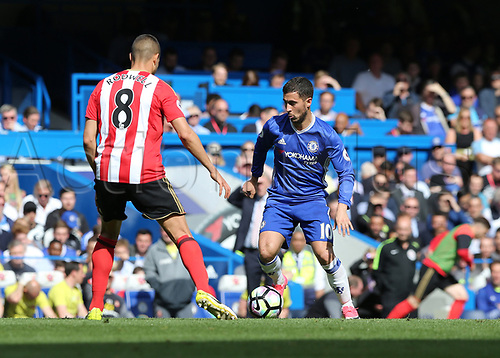 May 21st 2017, Stamford Bridge, Chelsea, London,  England;  EPL Premier league football, Chelsea FC versus Sunderland; Eden Hazard of Chelsea being marked by Jack Rodwell of Sunderland