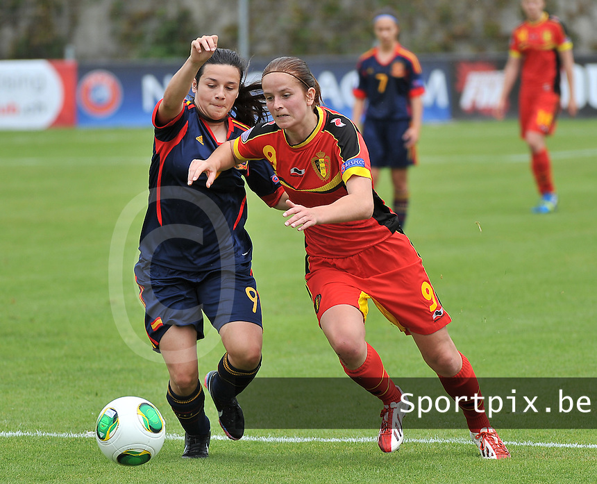 Belgium - Spain : duel tussen Charlotte Van Ishoven (rechts) en Lucia Gomez (links)<br /> foto David Catry / Nikonpro.be