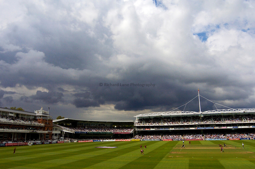 Photo. Glyn Thomas. .New Zealand v West Indies. Natwest Series Final..10/07/2004.Storm clouds gather over Lord's.