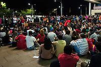 SÃO PAULO - SP - 07,08,2014 - Grande Assembleia Geral de Estudantes da USP - Estudantes e Funcionários da Universidade de São Paulo em greve durante assembleia no vão da História e Geografia.No Campus Butantã/USP,região oeste da cidade de São Paulo,na noite dessa Quinta-Feira,07 (Foto:Brazil Photo Press)