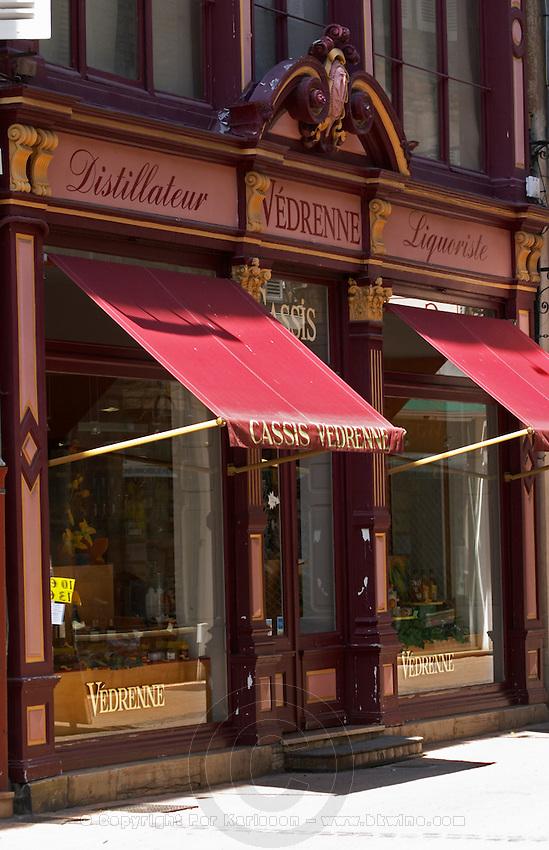 spirits shop Vedrenne pl carnot beaune cote de beaune burgundy france