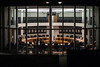 """Erste und konstituierende Sitzung des """"1. Untersuchungsausschuss"""" der 19. Legislaturperiode am Donnerstag den 1. Maerz 2018 des Deutschen Bundestag zur Aufklaerung des Terroranschlag durch den islamistischen Terroristen Anis Amri auf den Weihnachtsmarkt am Berliner Breitscheidplatz im Dezember 2016.<br /> Im Bild: Die Obleute der Bundestagsfraktionen beraten ohne ihre Mitwarbeiter.<br /> 1.3.2018, Berlin<br /> Copyright: Christian-Ditsch.de<br /> [Inhaltsveraendernde Manipulation des Fotos nur nach ausdruecklicher Genehmigung des Fotografen. Vereinbarungen ueber Abtretung von Persoenlichkeitsrechten/Model Release der abgebildeten Person/Personen liegen nicht vor. NO MODEL RELEASE! Nur fuer Redaktionelle Zwecke. Don't publish without copyright Christian-Ditsch.de, Veroeffentlichung nur mit Fotografennennung, sowie gegen Honorar, MwSt. und Beleg. Konto: I N G - D i B a, IBAN DE58500105175400192269, BIC INGDDEFFXXX, Kontakt: post@christian-ditsch.de<br /> Bei der Bearbeitung der Dateiinformationen darf die Urheberkennzeichnung in den EXIF- und  IPTC-Daten nicht entfernt werden, diese sind in digitalen Medien nach §95c UrhG rechtlich geschuetzt. Der Urhebervermerk wird gemaess §13 UrhG verlangt.]"""