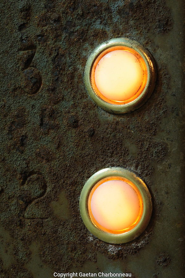 Rusty illuminated door bell